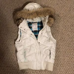 Aeropostale vest with faux fur hood